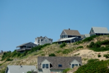 photo of Cape Cod beach houses perched along the bluffs near Corn Hill Beach in North Truro